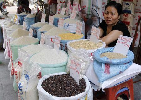 A vendor displays rice for sale at a market in Hanoi October 24, 2012. REUTERS/Kham/Files