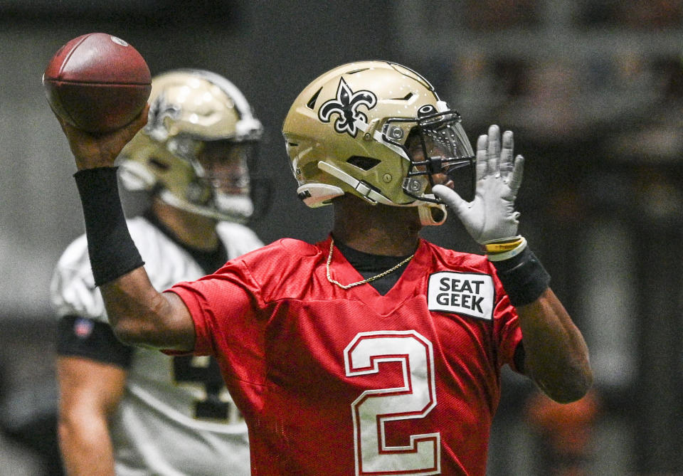New Orleans Saints quarterback Jameis Winston (2) throws a pass during the team's NFL football training camp practice in Metairie, La., Tuesday, Aug. 24, 2021. (Max Becherer/The Times-Picayune/The New Orleans Advocate via AP)