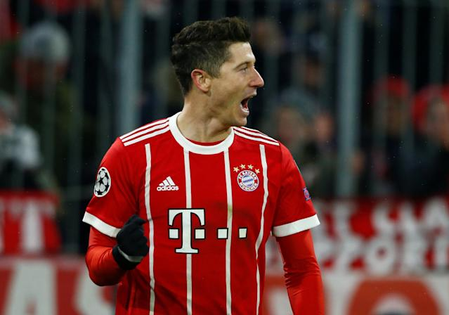 Soccer Football - Champions League Round of 16 First Leg - Bayern Munich vs Besiktas - Allianz Arena, Munich, Germany - February 20, 2018 Bayern Munich's Robert Lewandowski celebrates scoring their fourth goal REUTERS/Michaela Rehle