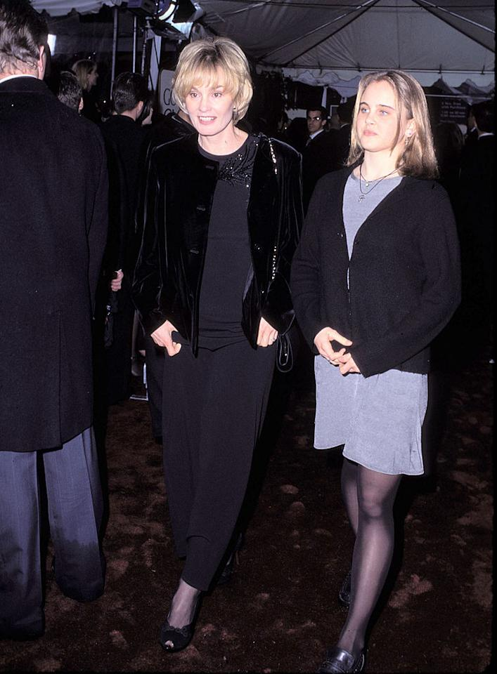 <p>Jessica Lange and her daughter in 1996. (Photo: Getty Images) </p>