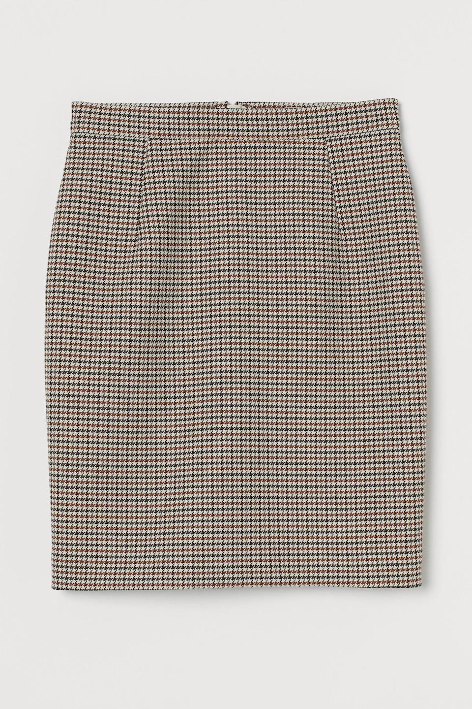 <p>This <span>Short Pencil Skirt<br> </span> ($22, originally $35) is extremely versatile. Pair it with your favorite knit sweater or graphic t-shirt.</p>