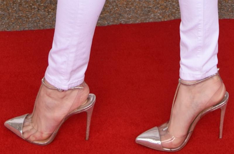 best sneakers aed62 c0124 Bella Thorne Shows Off a Funky Look With Louboutins at Miami ...