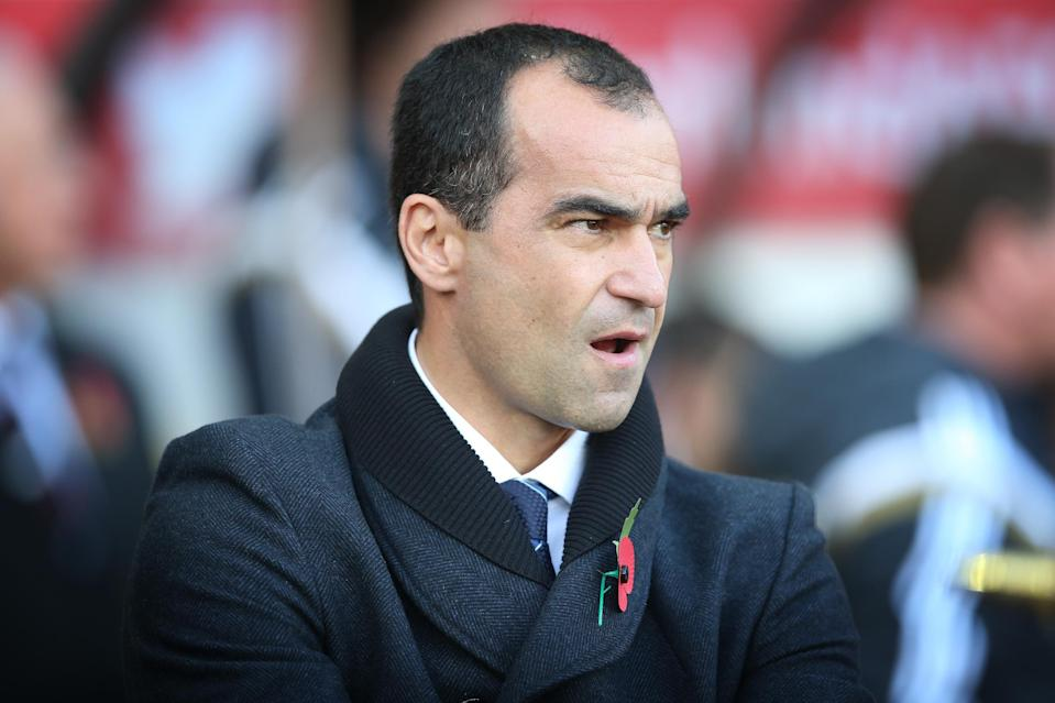 Everton's Spanish manager Roberto Martinez looks on during the English Premier League football match between Sunderland and Everton on November 9, 2014 (AFP Photo/Ian MacNicol)