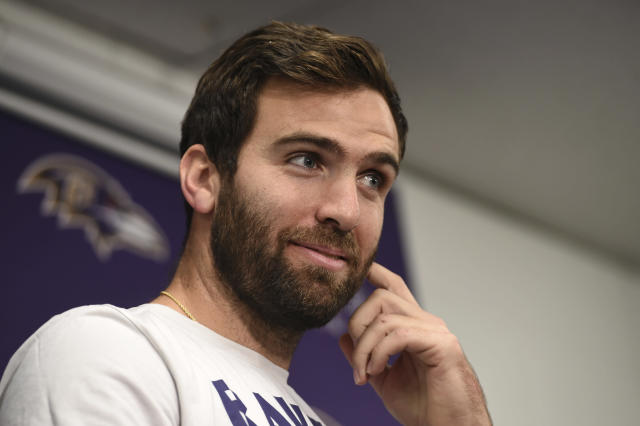 "<a class=""link rapid-noclick-resp"" href=""/nfl/players/8795/"" data-ylk=""slk:Joe Flacco"">Joe Flacco</a> has jokes, and it has nothing to do with being ""elite."" (AP)"