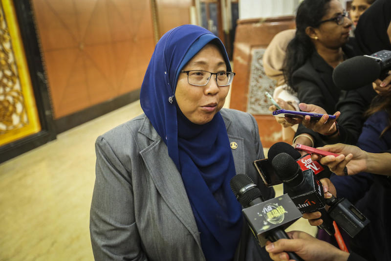 Kuantan MP Fuziah Salleh says the six-month operational extension granted by the Atomic Energy Licensing Board yesterday makes Lynas the winner, despite the conditions attached to its licence renewal. — Picture by Firdaus Latif