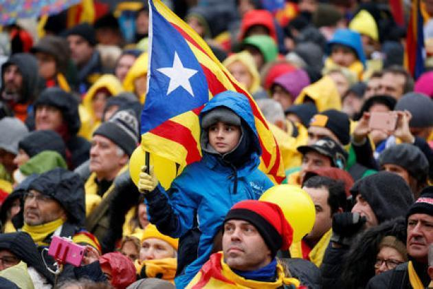 Catalan separatists to lose majority in tight election: poll