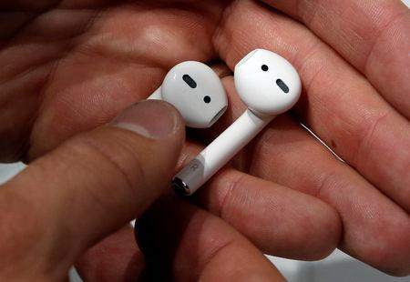 Apple AirPods are displayed during a media event in San Francisco, California, U.S. September 7, 2016.  REUTERS/Beck Diefenbach/File Photo