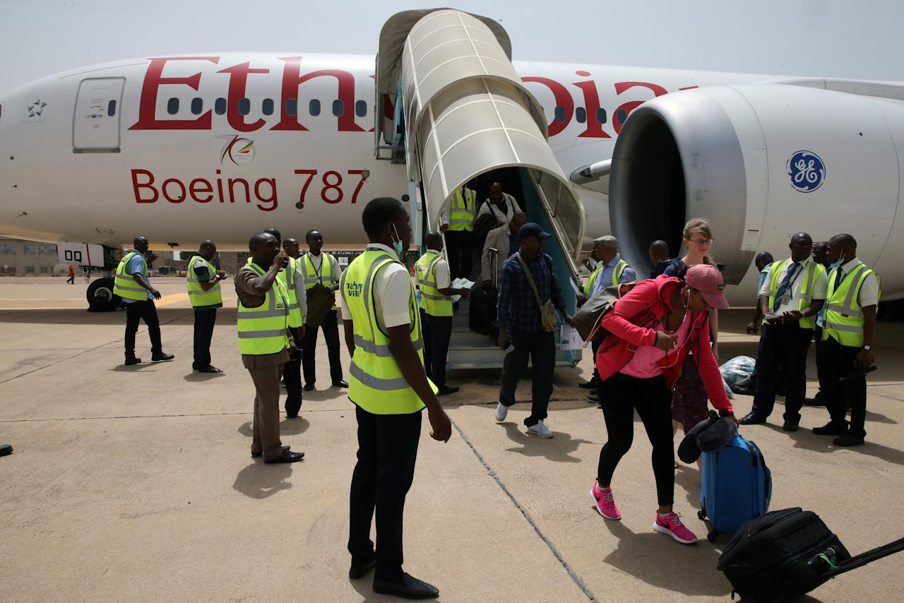 Passengers disembark from a Boeing 787 Dreamliner aircraft of Ethiopian Airlines at the newly renovated Kaduna airport in Kaduna, Nigeria March 8, 2017. REUTERS/Afolabi Sotunde