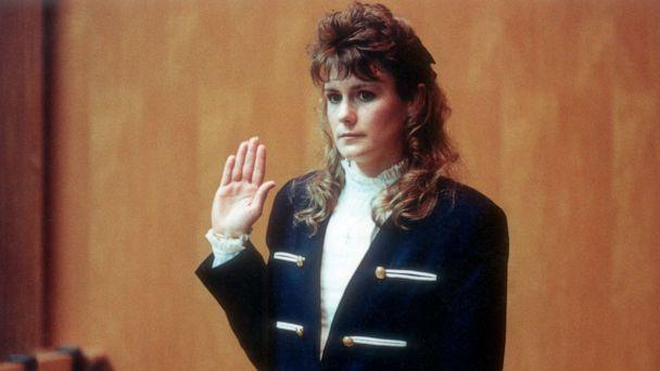 PHOTO: Pamela Smart gets sworn in before testifying in her own defense in Rockingham County Court. (Bettmann Archive via Getty Images, FILE)