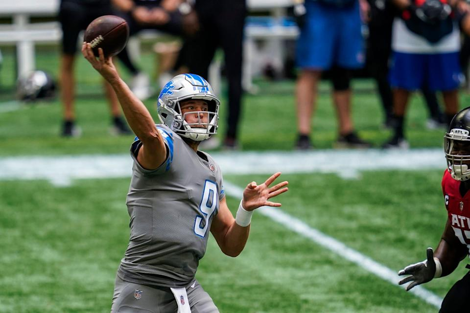 Lions quarterback Matthew Stafford passes against the Falcons during the first half at Mercedes-Benz Stadium on Sunday, Oct. 25, 2020.