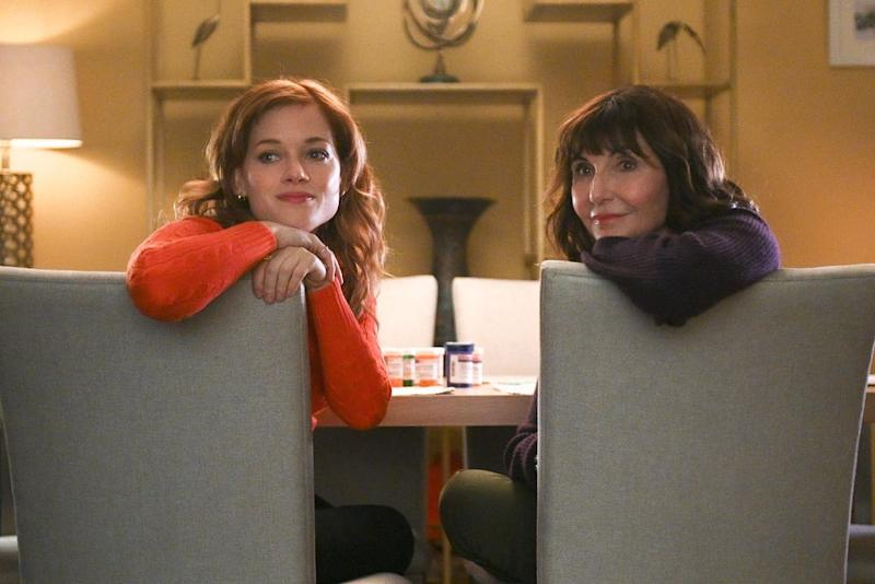 Jane Levy and Mary Steenburgen in Zoey's Extraordinary Playlist