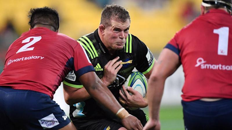 SUPER RUGBY HURRICANES REDS