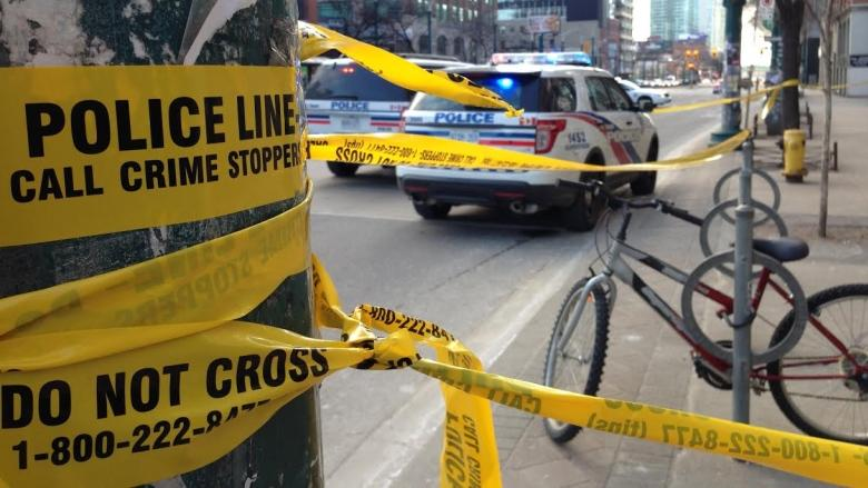 Man injured in stabbing downtown may have walked short distance before being found by police
