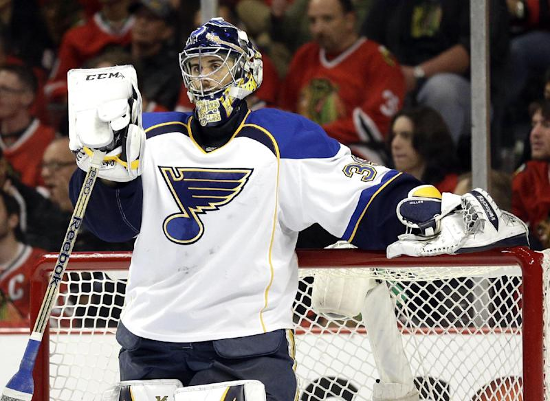 Blues re-sign Elliott to 3-year contract