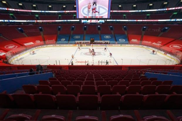 The federation of chambers of commerce said if rapidly deployed, the passport system could allow fans to catch some playoff action at the Bell Centre.