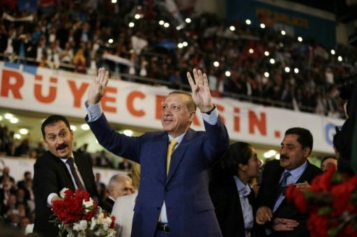 Turkey's Erdogan set to return as ruling party boss