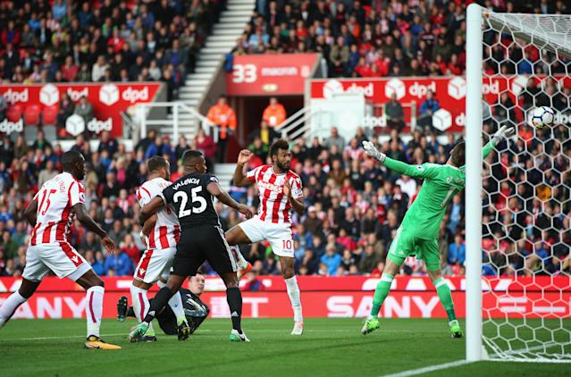 """Eric Choupo-Moting scored his second goal against <a class=""""link rapid-noclick-resp"""" href=""""/soccer/teams/manchester-united/"""" data-ylk=""""slk:Manchester United"""">Manchester United</a> in a 2-2 draw. (Getty)"""