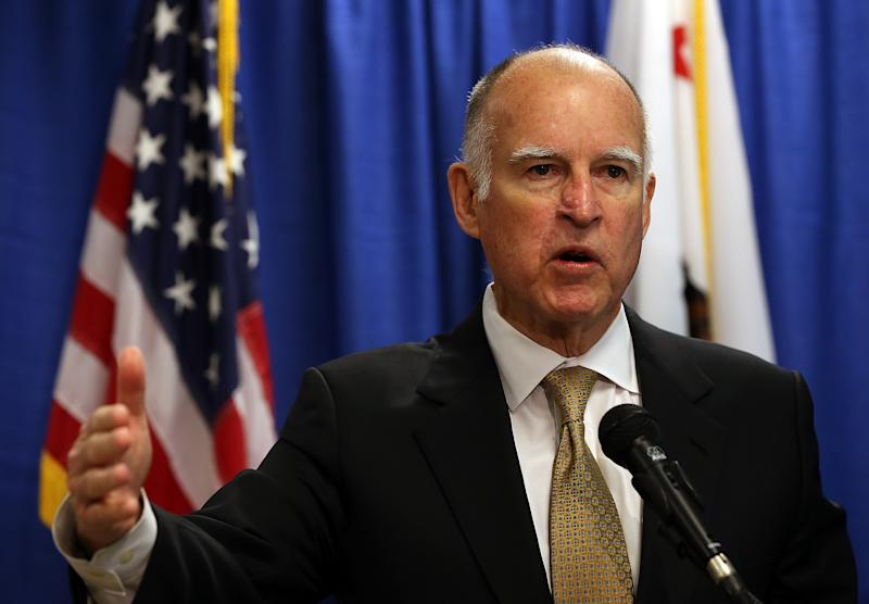 California governor Jerry Brown speaks during a press conference in San Francisco, California, on January 17, 2014 (AFP Photo/Justin Sullivan)