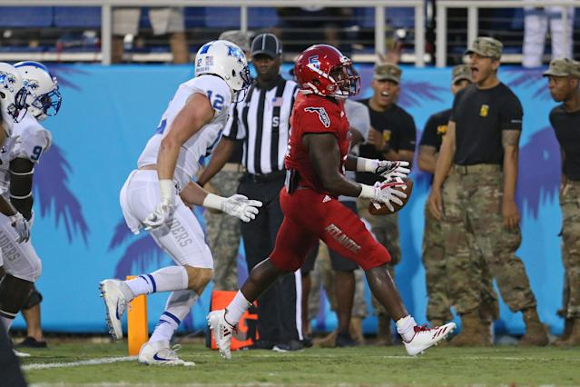 "<a class=""link rapid-noclick-resp"" href=""/ncaaf/players/264882/"" data-ylk=""slk:Devin Singletary"">Devin Singletary</a> has scored 29 rushing touchdowns in 2017. (Photo by Joel Auerbach/Getty Images)"