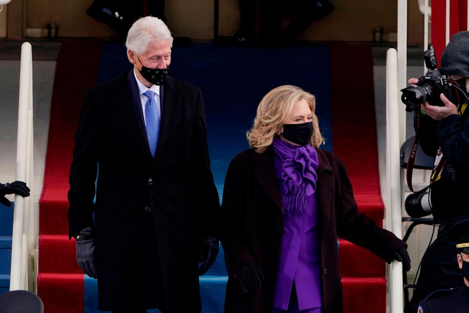 Former US President Bill Clinton arrives with former Secretary of State Hillary Clinton. (Photo: PATRICK SEMANSKY via Getty Images)