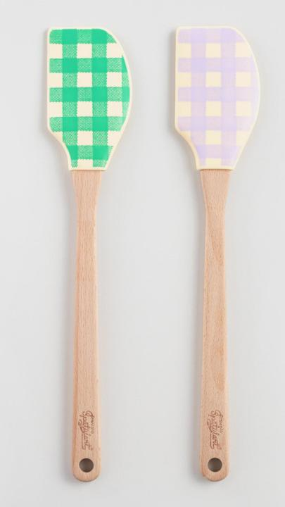 Bring the spring 17 gingham trend straight to your kitchen with these picnic-ready spatulas. (World Market, $16 for a set of two)