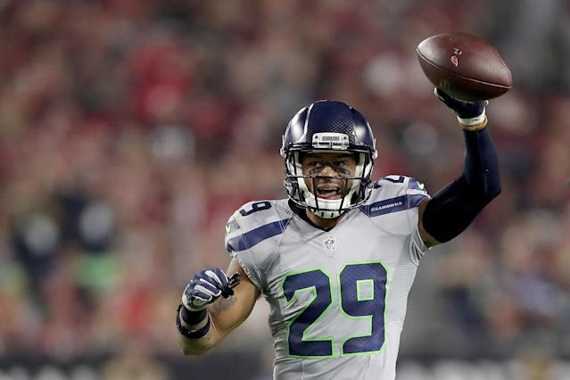 The Seattle Seahawks are reportedly stuck on receiving a 2019 second-round pick in a trade deal for Earl Thomas. (Getty Images)