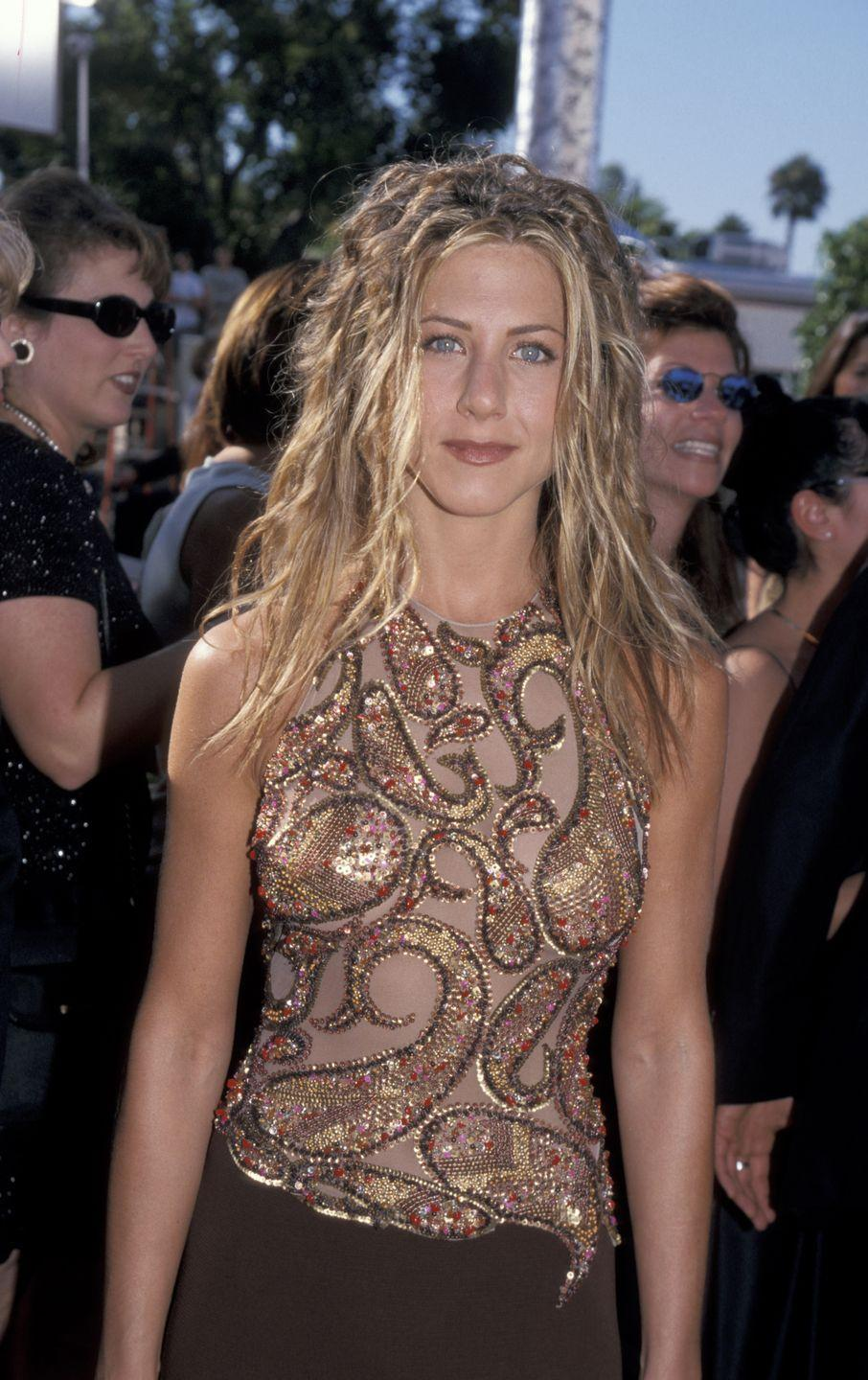 <p>In a move she probably regrets nowadays, Jen showed up to the 51st Emmy Awards wearing fake dreadlocks.</p>