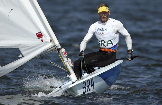 2016 Rio Olympics - Sailing - Final - Men's One Person Dinghy - Laser - Medal Race - Marina de Gloria - Rio de Janeiro, Brazil - 16/08/2016. Robert Scheidt (BRA) of Brazil competes. REUTERS/Benoit Tessier FOR EDITORIAL USE ONLY. NOT FOR SALE FOR MARKETING OR ADVERTISING CAMPAIGNS.