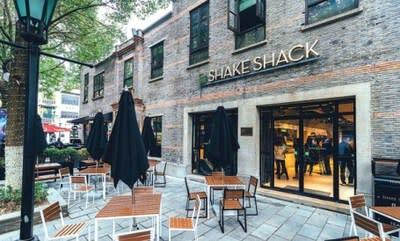 Shake Shack's outlet awaits customers in the Xintiandi area of Huangpu district. CHINA DAILY