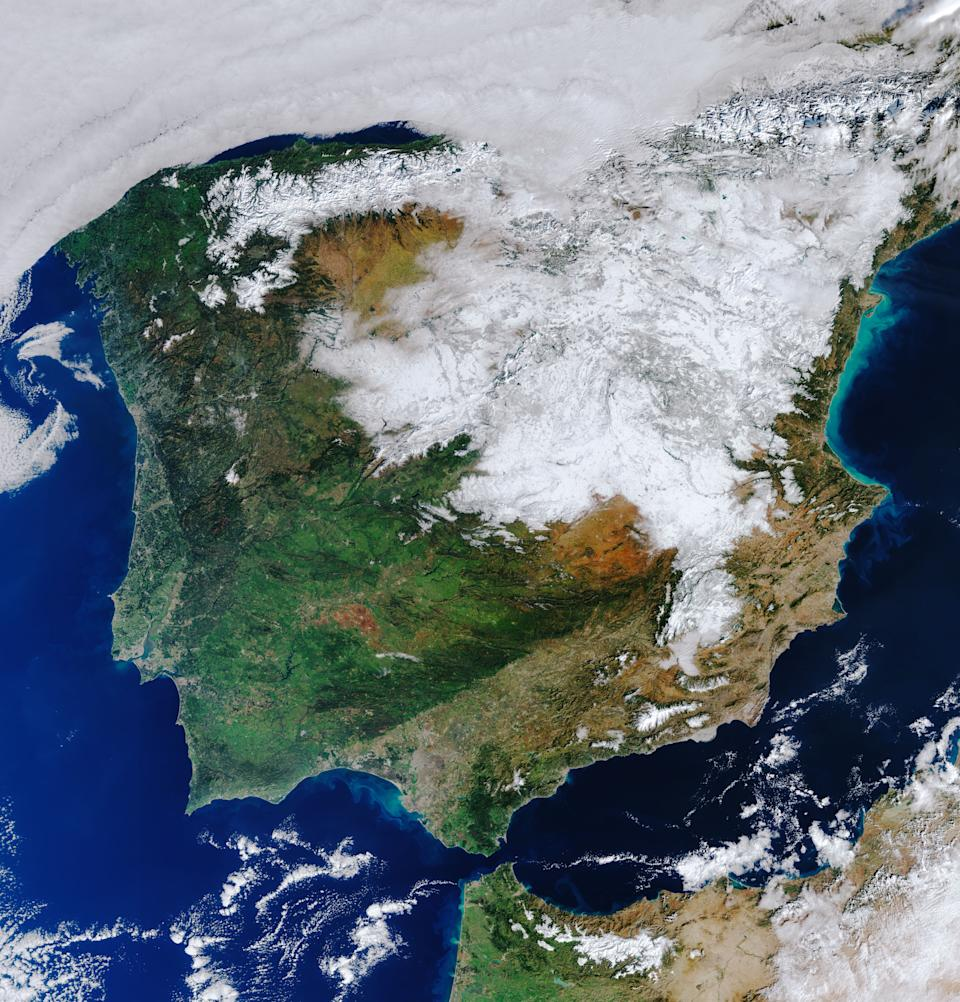 In this view from space captured by the Copernicus Sentinel-3 satellite, you can see a heavy blanket of snowfall over much of Spain. The image, snapped at 5:40 a.m. EST (1040 GMT) on Jan. 12, shows most of the country covered in snow following storm Filomena, which brought the heaviest snowfall that Spain has seen for 50 years.  Copernicus Sentinel-3 is a two-satellite mission that, with a variety of instruments, observes and monitors Earth's surface from above.