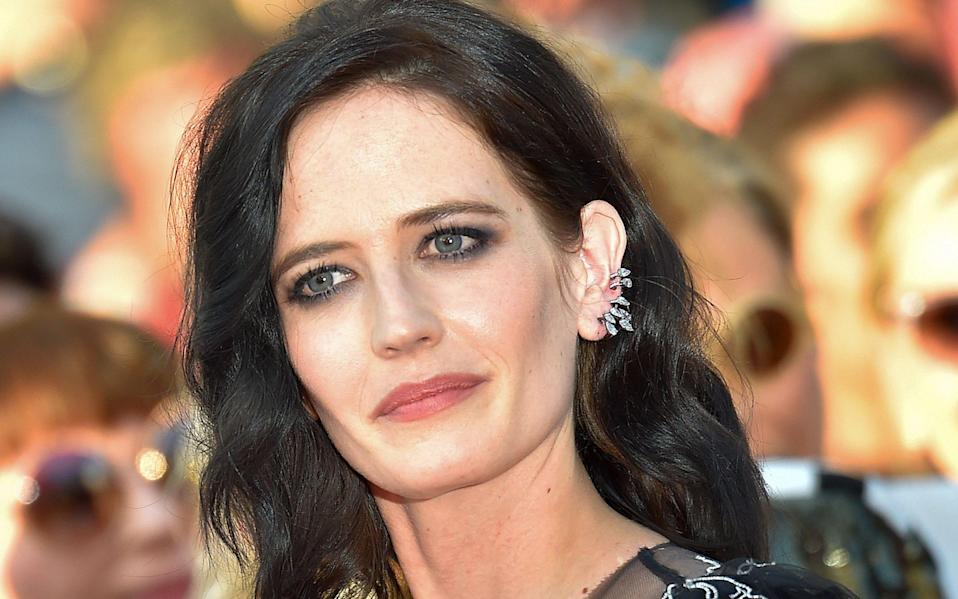 Eva Green, who played Vesper Lynd in Casino Royale, has voiced her opposition to the idea of a woman playing James Bond.