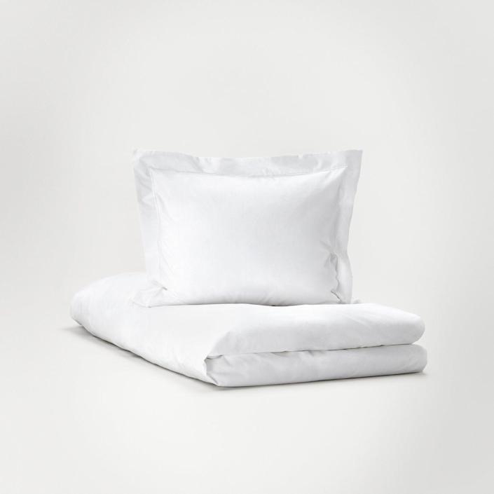 """<h3><a href=""""https://www.bostonluxbeds.com/linens/hastens-bedding"""" rel=""""nofollow noopener"""" target=""""_blank"""" data-ylk=""""slk:Hästens Pure White Collection - Sheets"""" class=""""link rapid-noclick-resp"""">Hästens Pure White Collection - Sheets</a></h3><br>For Scandinavian simplicity at its best (and by """"best"""" we mean """"most luxurious""""), Hästens Pure White sheets are made from the finest linens to ensure your mother-in-law enjoys sweet dreams and deep sleep. <br><br><strong>Hästens</strong> Hästens Pure White Collection - Sheets, $, available at <a href=""""https://go.skimresources.com/?id=30283X879131&url=https%3A%2F%2Fwww.bostonluxbeds.com%2Flinens%2Fhastens-bedding"""" rel=""""nofollow noopener"""" target=""""_blank"""" data-ylk=""""slk:Boston Luxury Beds"""" class=""""link rapid-noclick-resp"""">Boston Luxury Beds</a>"""