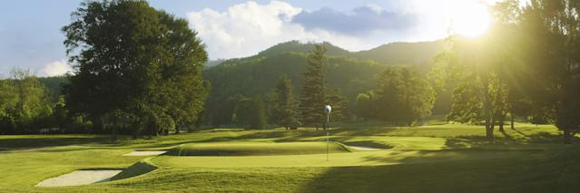"<div class=""caption""> Old White TPC's third-hole Biarritz green at The Greenbrier. </div> <cite class=""credit"">DANIEL JAMES MURPHY 2011/The Greenbrier</cite>"