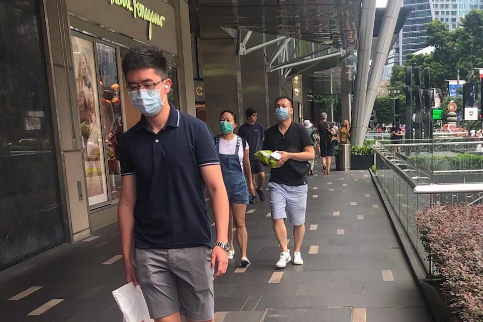 People seen wearing face masks on the streets of Orchard Road on 31 January, 2020. (PHOTO: Dhany Osman/Yahoo News Singapore)
