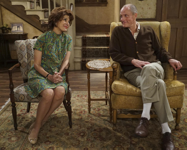 "This image released by ABC shows Marisa Tomei as Edith Bunker, left, and Woody Harrelson as Archie Bunker in ""Live in Front of a Studio Audience: Norman Lear's 'All in the Family' and 'The Jeffersons',"" special which aired on Wednesday, May 22. According to Nielsen figures out Wednesday, May 29, ABC's live re-creation of episodes of ""All in the Family"" and ""The Jeffersons"" ranked among last week's most-watched programs. (Eric McCandless/ABC via AP)"
