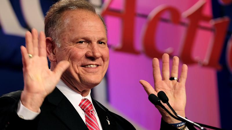 GOP Strategist Says Lincoln Is Rolling In His Grave Over Roy Moore's Defenders