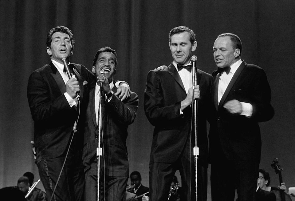 <p>The Rat Pack performed alongside host Johnny Carson in June 1965 for a benefit concert in St. Louis, Missouri for the Dismas House.</p>