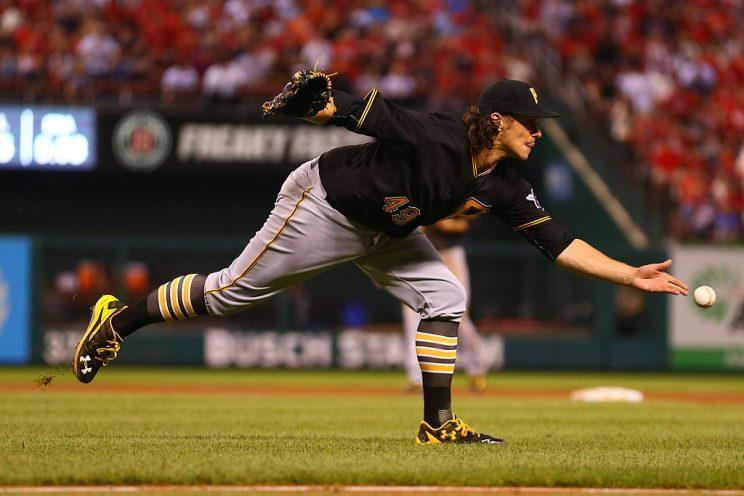 ST. LOUIS, MO - JULY 6: Starter Jeff Locke #49 of the Pittsburgh Pirates flips the ball to first base in an attempt to get an out against the St. Louis Cardinals in the fifth inning at Busch Stadium on July 6, 2016 in St. Louis, Missouri. (Photo by Dilip Vishwanat/Getty Images)