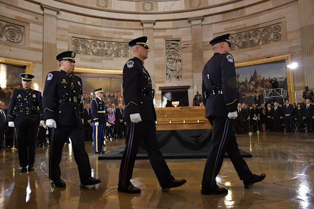 <p>The casket of evangelist Billy Graham arrives at the U.S. Capitol Rotunda on Feb. 28, 2018 in Washington. (Photo: Mandel Ngan/AFP/Getty Images) </p>