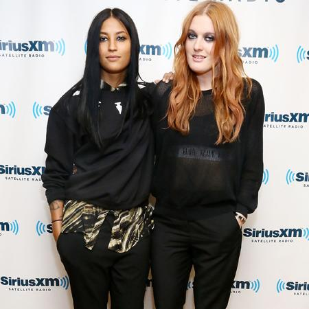 Icona Pop: Naked is cool