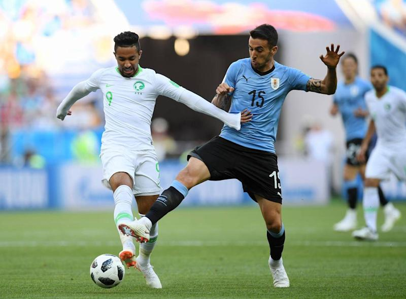Matias Vecino battles for the ball (Getty Images)
