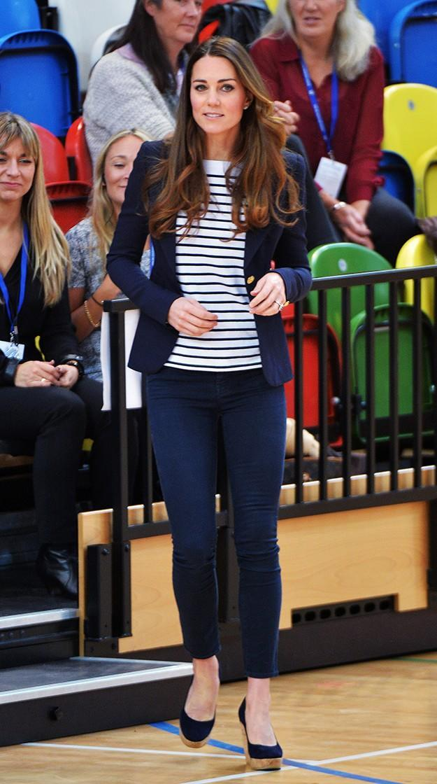 Kate Middleton plays volleyball in wedges