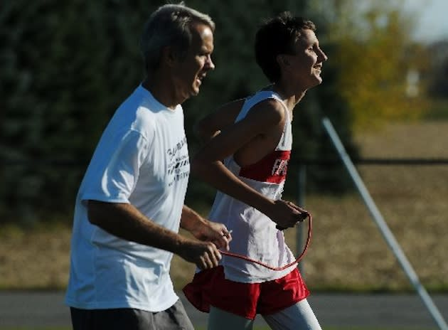 Blind cross country runner Bobby Steele and a guide — MLive.com