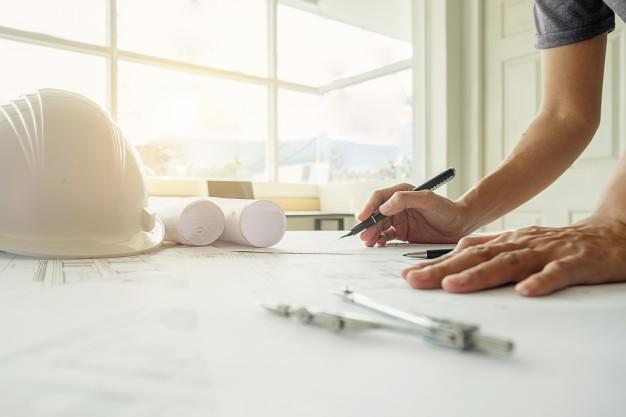 home renovation budgeting tips - compare contractors