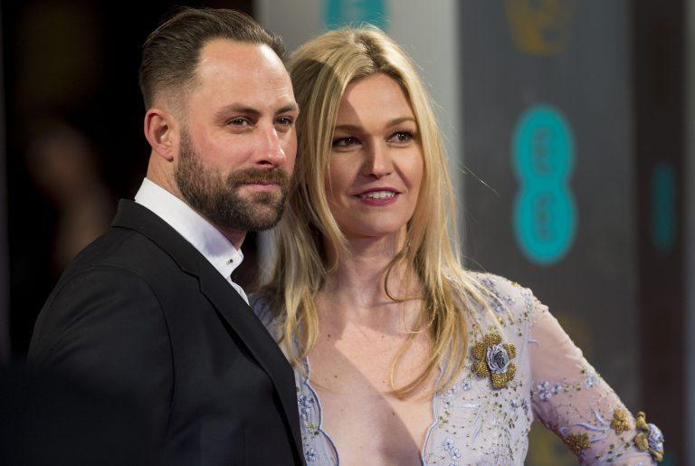 """Julia Stiles Is Married: See a Photo From Her """"Shotgun ..."""