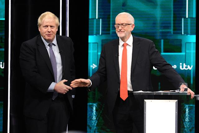 Boris Johnson y Jeremy Corbyn. (Photo by Jonathan Hordle//ITV via Getty Images)