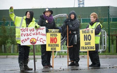 Fracking - Credit:  HOWARD BARLOW