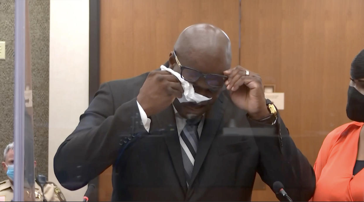 Philonise Floyd fights through tears as he delivers victim statement at Derek Chauvin's sentencing hearing. (Court TV via Reuters)
