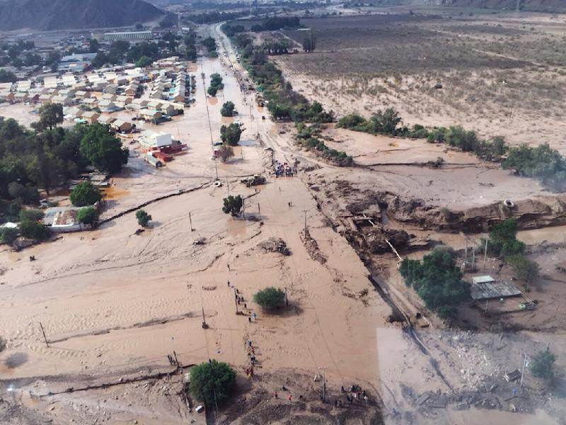 An aerial view of areas affected by the flood in the region of Copiapo, Chile on March 26, 2015 (AFP Photo/)
