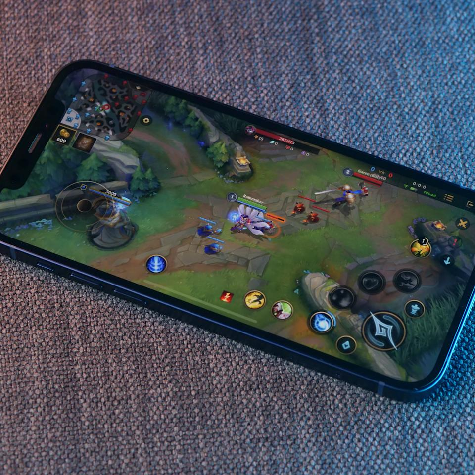 Wild Rift on the iPhone 12 (Photo: Yahoo Esports SEA)